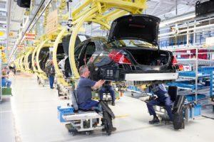 Hightech production proces Mercedes Benz